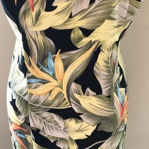 Dress Barn Dresses - 🌿Tropical Stretchy Sleeveless Dress